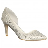 Tahnee White Pump, Diana Ferrari, $69.95 http://www.dianaferrari.com.au/shop-collection/online-product-detail.html?prd=10943&sku=183264&cat=94