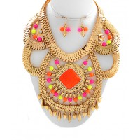 Wild Bling Neon Statement Necklace, $79. http://www.wildbling.com.au/products_detail.ews?products.ewdCategory=3&Category=Necklaces&products.ewdfr=72&&products.ewdid=955