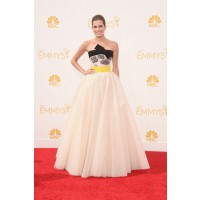 HBO Girls' Allison Williams in Giambattista Valli Couture.