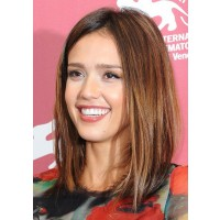 Jessica Alba's long choppy bob. Image via: http://wandermag.com/2013/05/new-hairstyles-for-2013-women-shoulder-length/