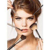 A good set of the essential makeup brushes should allow you to create any makeup look. Image source: http://www.glamgirlnaturals.com/images/categories/498.jpg