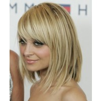 Nicole Ritchie's fine hair fringe. Image via http://www.fashiontop.org/how-to-style-medium-length-hair.html