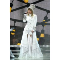 Taylor's costume for performance of said vengeful tune... Via perezhilton.com