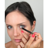 Step 5 - eyeliner