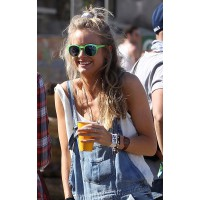 Cressida Bonas at Glastonbury this year. http://www.mydaily.co.uk/2013/07/23/prince-harry-is-headed-back-to-war-cressida-bonas/