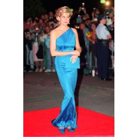 Diana in Sydney in 1996 wearing Versace at the Victor Chang Research Institute Dinner. http://www.marieclaire.co.uk/celebrity/pictures/30982/42/princess-diana-s-iconic-style-moments-fashion-pics-marie-claire-uk.html#index=17