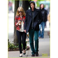 1. Off-duty with boyfriend Andrew Garfield. http://images5.fanpop.com/image/photos/30700000/Emma-Stone-Andrew-Garfield-New-Spider-Man-Trailer-emma-stone-30715557-890-1222.jpg
