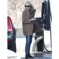 Filling up at a Boston gas station last month. http://www.dailymail.co.uk/tvshowbiz/article-2298727/Emma-Stone-goes-au-naturel-shows-naturally-flawless-complexion-going-make-free.html