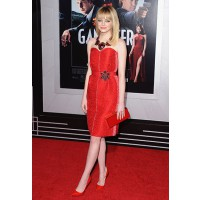 Brilliant in red Lanvin at the Gangster Squad premier. http://l.yimg.com/ea/img/-/130111/emma_stone_red_carpet_fashion_style_celebrity_gangster_squad_premiere_18euh0m-18euh1c.jpg?x=400&q=80&n=1&sig=VwAN5Gp.jQUg44tgzKeqBA--