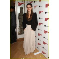 Image source: http://www.justjared.com/photo-gallery/2577877/rachel-bilson-fashion-night-out-08/