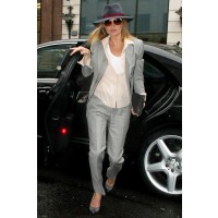 Kate Moss borrows from Diane Keaton's style book. http://www.glamourmagazine.co.uk/fashion/celebrity-fashion/2011/04/kate-middleton-kate-moss-celebrity-bride-style-wars?_escaped_fragment_=image-number=10