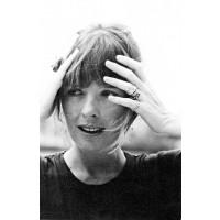 Diane Keaton's bangs have inspired modern day fashionistas like Alexa Chung http://jordansvintagekitchen.blogspot.com.au/2013/01/style-maven-diane-keaton.html