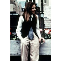 Diane Keaton in Annie Hall. http://cdni.condenast.co.uk/592x888/d_f/dkeaton1_gl_14mar11_rexfeatures_.jpg