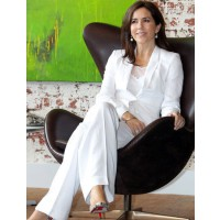 Princess Mary in a stunning, white pantsuit. http://au.lifestyle.yahoo.com/new-idea/news/galleries/photo/-/12819723/happy-40th-birthday-princess-mary/12819736/