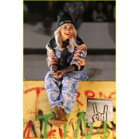 Rita Ora on the set of her Shine Ya Light video. http://synsue.blogspot.co.uk/2013_07_01_archive.html