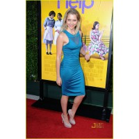 In body-con and blue at the 2011 Los Angeles premiere of The Help. http://cdn03.cdn.justjared.com/wp-content/uploads/2011/08/palmer-help/teresa-palmer-help-premiere-05.jpg