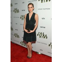 "Emma Watson at the New York Premier of ""The Bling Ring"". http://www.stylebistro.com/Best+Dressed+at+'The+Bling+Ring'+New+York+Screening/articles/ehd0_g5g_dx/Emma+Watson+Bling+Ring+Screening+New+York"