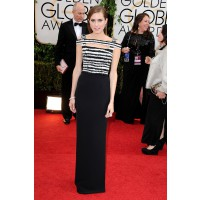 Allison Williams in Alexander McQueen, Jimmy Choo http://www.huffingtonpost.com/2014/01/12/golden-globes-red-carpet-2014_n_4499470.html