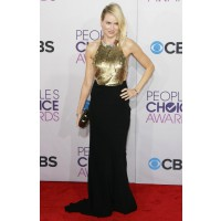 At this year's People's Choice Awards in Alexander McQueen. aceshowbiz.com