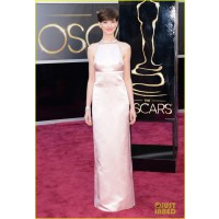 Anne Hathaway in Prada. Source: http://oscar.go.com/red-carpet/photos/85th/red-carpet/womens-fashion-20