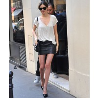 Miranda Kerr shops in Paris wearing a gorgeous leather mini source: iStockphoto.com http://leathergirlsblog.com/photos/entry/miranda-kerr-shopping-at-chanel-in-paris