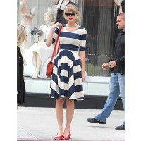 Taylor swift shops in Beverly Hills wearing a Gorman dress http://style.mtv.com/2012/04/25/taylor-swift-striped-dress/