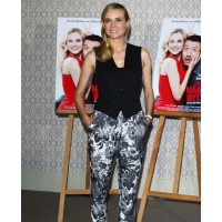 Diane Kruger wearing Stella McCartney tapered pants source: Fashion gone rogue credit: Getty Images http://fashiongonerogue.com/diane-kruger-in-stella-mccartney-at-the-der-naechste-bitte-photo-call/