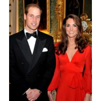 Prince William and Kate Middleton in black tie formal http://www.celebuzz.com/photos/kate-middleton-and-prince-william-attend-black-tie-charity-dinner/kate-middleton-and-prince-william-attend-black-tie-charity-dinner-17/ source: Celebuzz