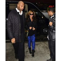 Beyonce in blue leggings source: Huffington post credit: Film Magic http://www.huffingtonpost.com/2012/11/06/rihanna-selena-gomez-leggings_n_2082474.html#slide=753380