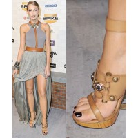 Blake Lively in incredible brown shoes source: mtv.com credit: Getty images http://www.mtv.com/photos/mtv-style-hot-shoes-/1641902/5359769/photo.jhtml#5359769