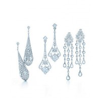 Tiffany & Co. chandelier earrings with princess and round brilliant cut diamonds in platinum. source: Vogue Australia online credit: Tiffany & co. http://www.vogue.com.au/fashion/jewellery/galleries/tiffany+co+for+the+great+gatsby,23719?pos=6#top