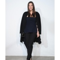 Liv Tyler does black and Navy at the Chanel Cruise show
