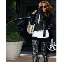 Beyonce in studded leggings source: style bistro credit: Bauer Griffin http://www.stylebistro.com/lookbook/Beyonce+Knowles/iIJhbu1jD9u/Leggings