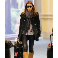 Jessica Beale at the airport. source: stylebistro.com credit: Bauer Griffin http://www.stylebistro.com/Best+and+Worst+Dressed+Celebrities+at+the+Airport/articles/7Rx0kfl-Ix7/Jessica+Biel