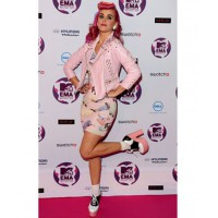 2011 Katy Perry wearing Jeremy Scott at 2011 MTV Europe Music Awards http://www.fabsugar.com.au/Pictures-Katie-Perry-Wearing-Jeremy-Scott-2011-MTV-Europe-Music-Awards-Belfast-Rate-Hate-her-Outfit-20299185