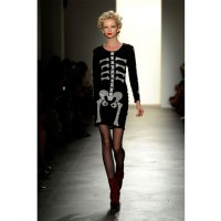 "2010 New York Fashion Week Jeremy Scott Boudoir Bombshell"" Spring/Summer 2010 http://t-squat.com/jeremy-scott/"