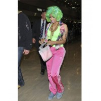 Nicki Minaj wears Denim Jeremy Scott x Adidas Wings in Japan http://www.google.com.au/imgres?num=10&hl=en&biw=1366&bih=624&tbm=isch&tbnid=JjweLA8V_wPJBM:&imgrefurl=http://www.sneakerfiles.com/2012/03/21/celebrity-sneaker-watch-nicki-minaj-wears-denim-js-w