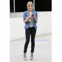 Kristen Cavallari – GAP denim jacket over black skinnies. Source www.stylebistro.com
