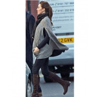 Kate on the run in her first loose outfit (image via popsugar.com)