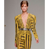 Balmain mixes black & yellow with abandon. http://www.fashionologie.com/Balmain-Spring-2013-Runway-25188059