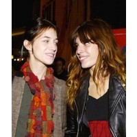 Charlotte Gainsborough and Lou Doillon, source:don'tmiss.fr credit: Abaca http://celebs.allwomenstalk.com/super-stylish-celebrity-siblings/lou-doillon-charlotte-gainsbourg-soeurs-2011/