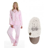 Just Relax, Mama! - Pink Check PJ and slipper pack, $120, Pappinelle. http://www.papinelle.com/proddetail.asp?prod=GP-MD5