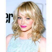 Not shy to rock a bright pink lip. http://www.usmagazine.com/uploads/assets/photo_galleries/regular_galleries/1886-emma-stones-hair-evolution/photos/1351889436_emma-stone-hair-april-1