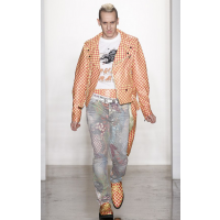 Jeremy Scott http://www.vogue.co.uk/fashion/autumn-winter-2013/ready-to-wear/jeremy-scott/full-length-photos/gallery/50