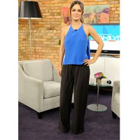 Even Rachel Bilson looks tall in black palazzo pants source: posh 24 credit: WENN.com http://www.posh24.com/photo/1559752/rachel_bilson_black_loose_pant