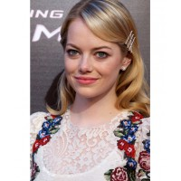 This funky, folky look looks great on Emma Stone. http://www1.pictures.zimbio.com/gi/Emma+Stone+Amazing+Spider+Man+Madrid+Premiere+fkQisLFLPryx.jpg