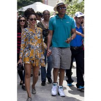 Beyonce rocks her super holiday style in Cuba http://www.nationalturk.com/en/beyonce-and-jay-z-celebrated-theys-marriage-anniversary-in-cuba-showbiz-news-36366