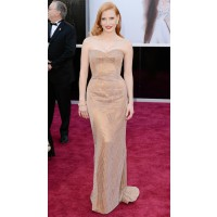 Jessica Chastain looking AWESOME in this incredibly elegant number by