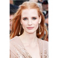 Jessica Chastain's Greek goddess look. http://fashionwithlove1990.blogspot.com.au/2012/06/summer-2012-hair-trends.html