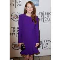 Julieanne Moore works colour with aplomb. http://www.dailymail.co.uk/tvshowbiz/article-2315606/A-luminous-Julianne-Moore-52-defies-age-electric-purple-frock-Tribeca-Film-Festival.html